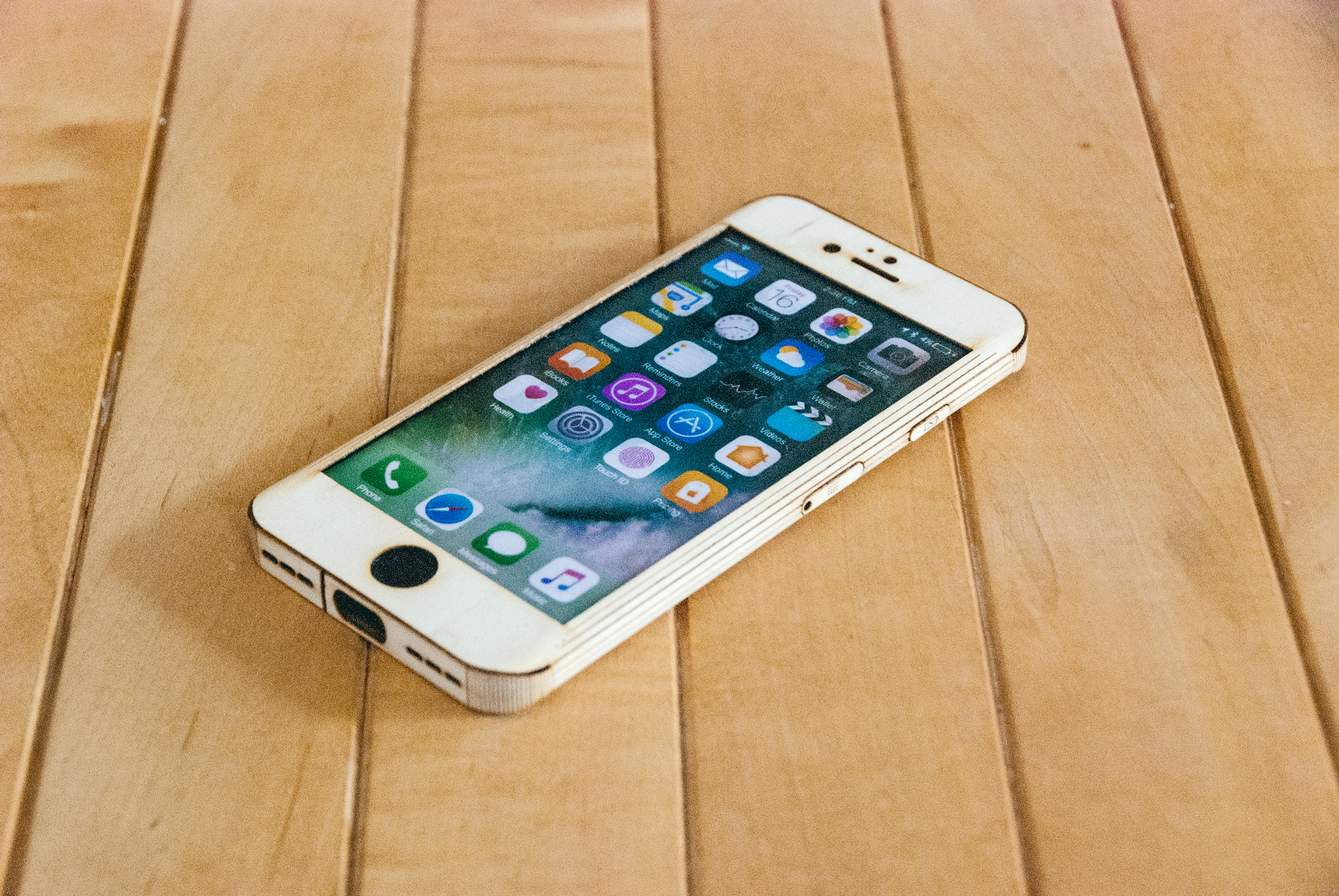 Maple iPhone 7 Case - smooth Style